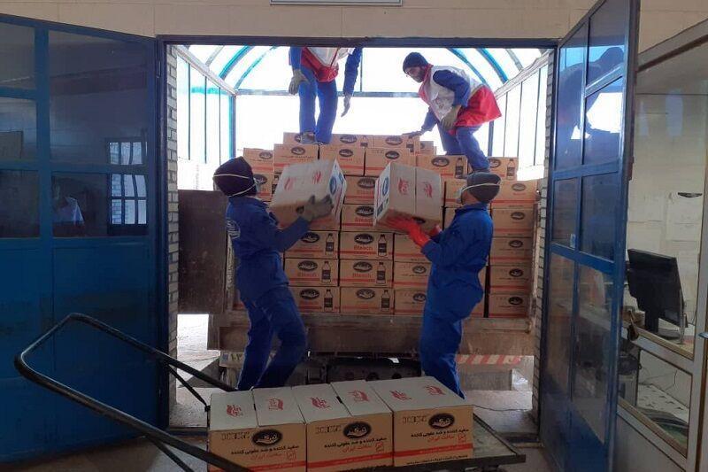 خبرنگاران پرستاران 130میلیون ریال به خانواده های محروم بشاگرد کمک کردند