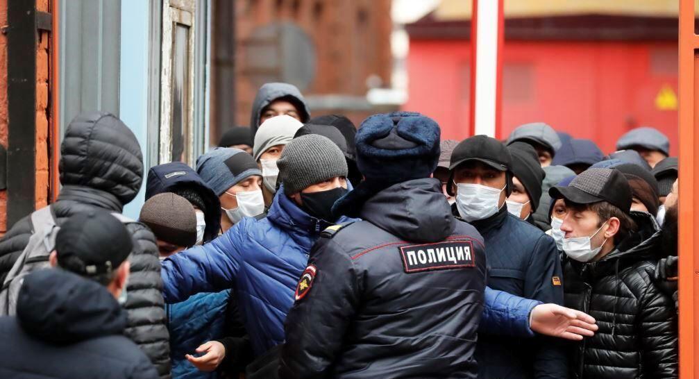 خبرنگاران لغو مالیات، خواسته میلیون ها کارگر مهاجر از دولت روسیه