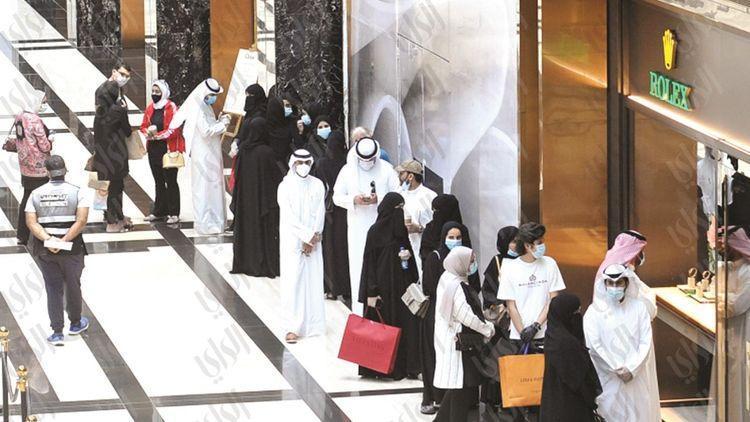 کویتی ها با خرید میلیاردی از 110 روز قرنطینه انتقام گرفتند