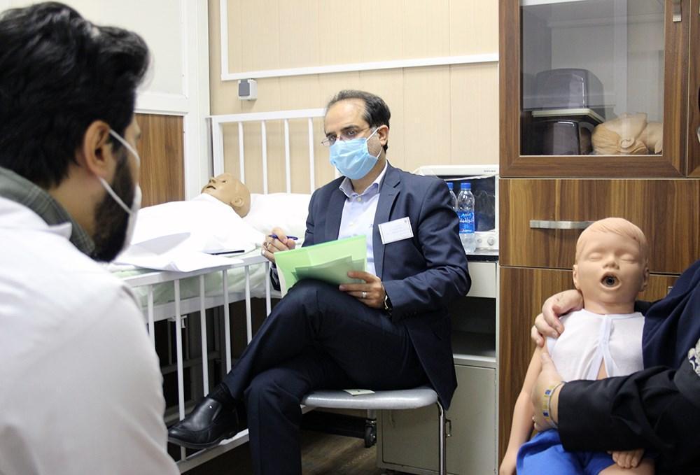 برگزاری آزمون صلاحیت های بالینی با 15 دانشجوی پزشکی