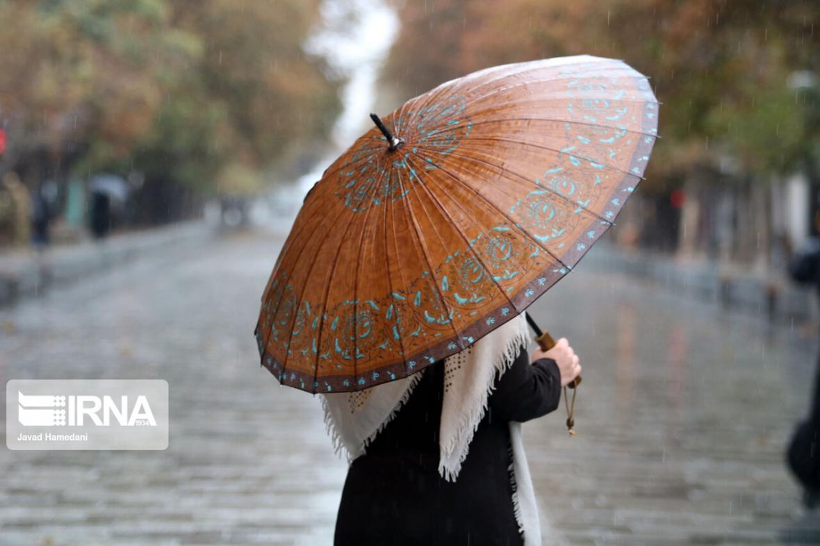 خبرنگاران بارش پاییزی در شهرستان سردسیر سمیرم کاهش یافت