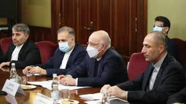 خبرنگاران وزیر نفت مسکو را ترک کرد