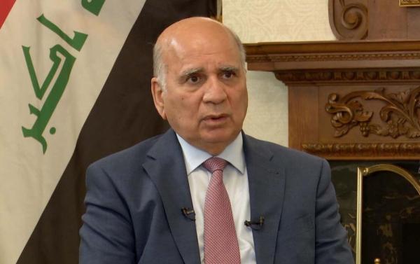 خبرنگاران نامه نخست وزیر عراق تسلیم امیر کویت شد