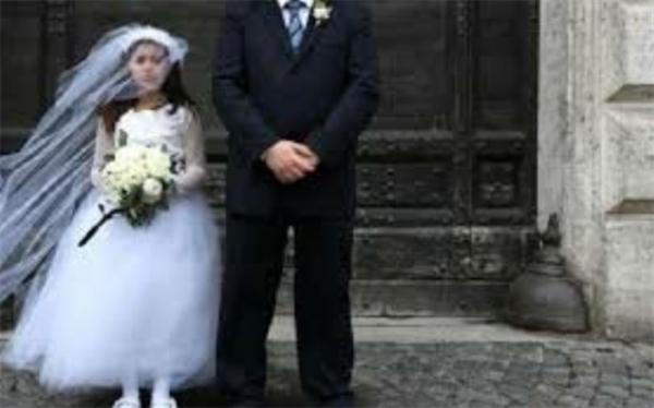 ازدواج در کودکی عامل فخر برخی خانواده ها