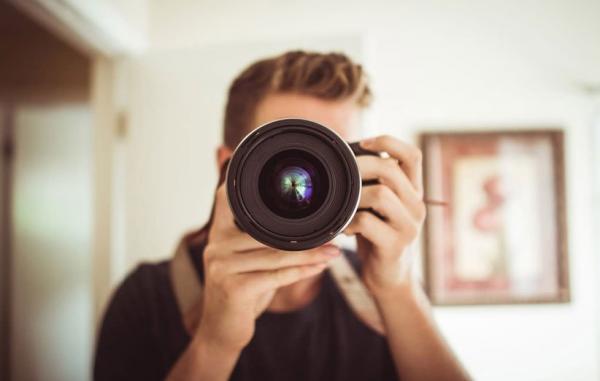 آیا برای عکاسی پرتره به لنز خاصی احتیاج دارید؟