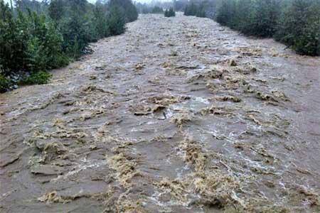 دومین روز جستجو برای یافتن راننده مفقود شده در رودخانه سیمره