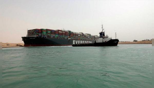 آغاز تحقیقات برای یافتن علت زمین گیر شدن کشتی اور گیون