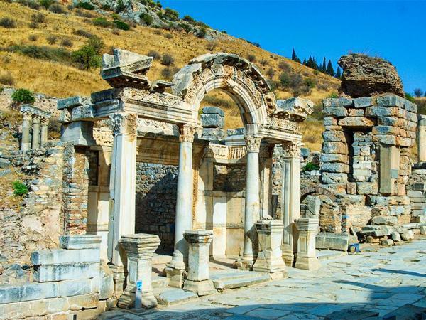 معبد آرتمیس کجاست؟!