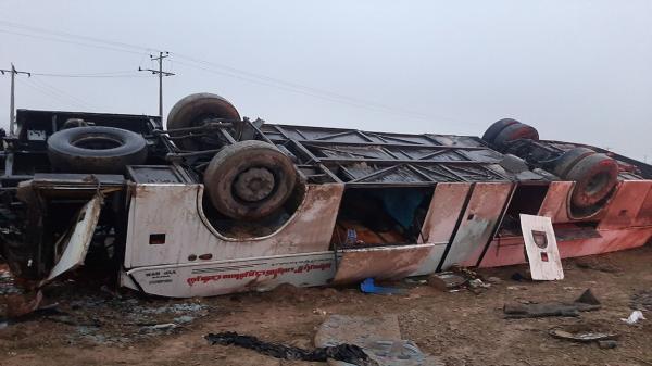 واژگونی مرگبار اتوبوس در هراز