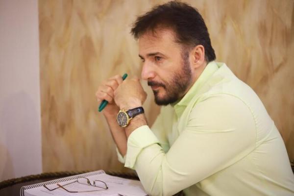 سیدجواد هاشمی در فکر ساخت یک مسابقه دکوراسیون است