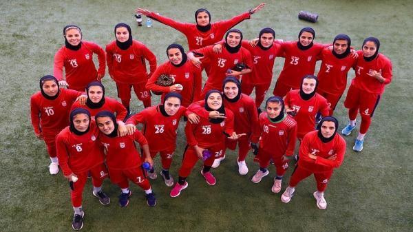 با دستور رئیس فدراسیون فوتبال لباس فرم اختصاصی برای بانوان طراحی شد