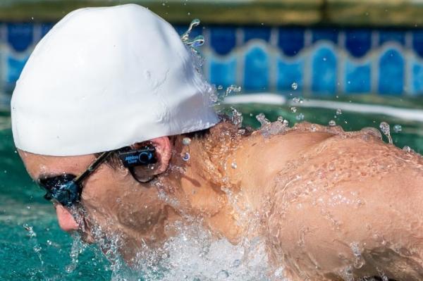 یک مربی مجازی برای علاقه مندان به شنا